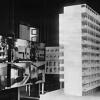 zugeschn_modell_eines_wohnhaus_von_walter_gropius_1930-56314