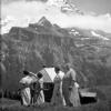 Gruppe von Frauen vor einem Bergpanorama