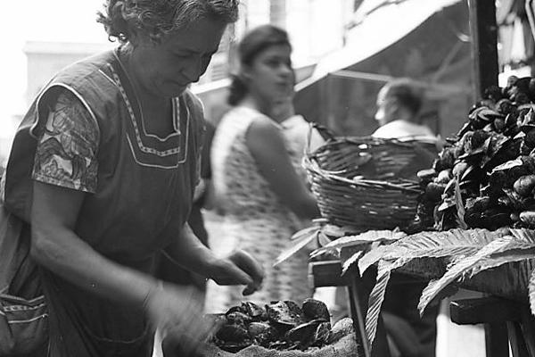 Marktfrau in Italien, 1962