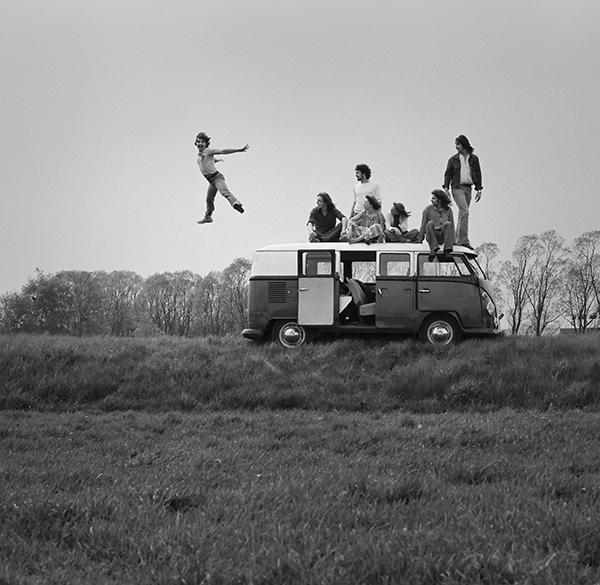 Jugendliche mit Bulli, 1979