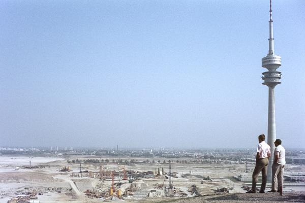 Bau des Münchner Olympiaparks, um 1970