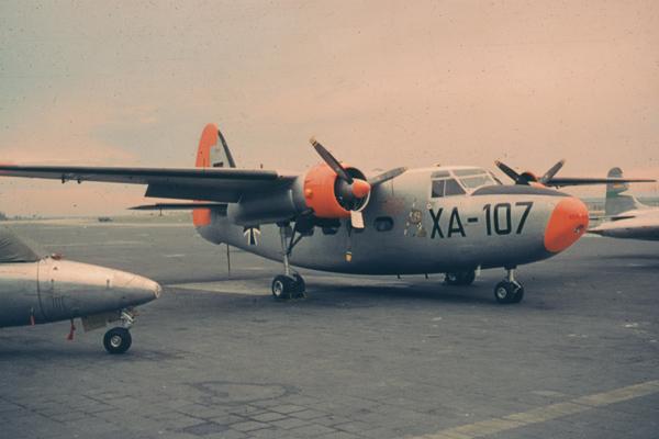 Ein Flugzeug des Typs Percival Pembroke C54 der Deutschen Bundeswehr am Flughafen München-Riem.