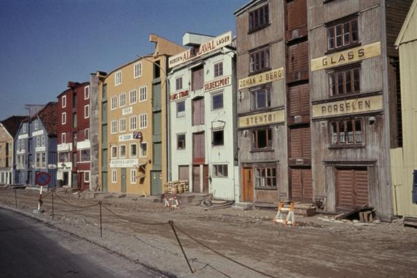 Alte Lagerhäuser am Hafen von Trondheim.