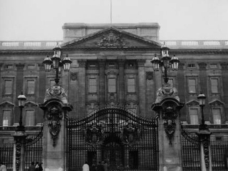 buckingham-palace_190305