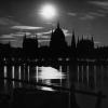 Bild 1: Budapest bei Nacht von SZ Photocollection