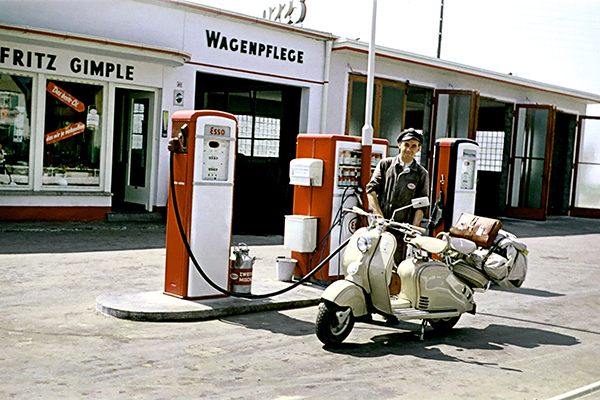 Tankstelle, 1955