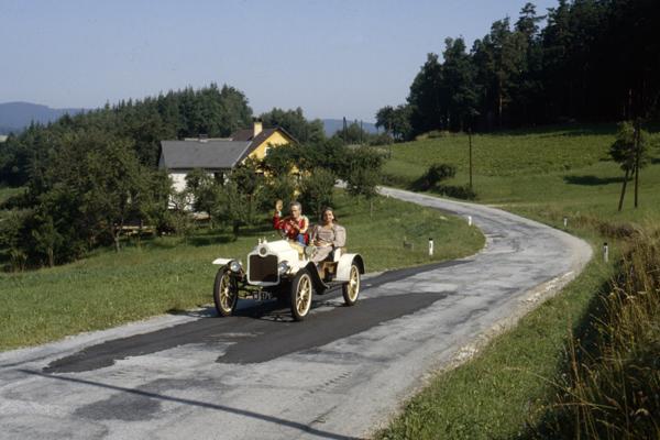 Oldtimer im September 1983 bei Weitra in Niederösterreich nahe der Grenze zur CSSR.