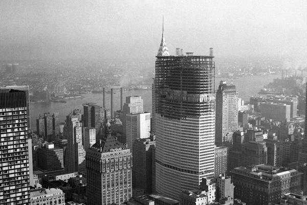 PAN AM Gebäude im Bau, dahinter Chrysler Building.
