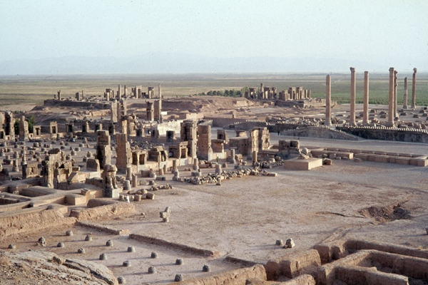 Gesamtansicht der Ruinen der Palastanlage in Persepolis.
