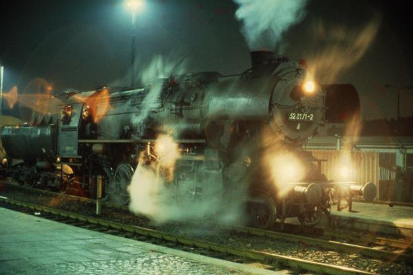 Nachtaufnahmen von betriebenen Dampfloks sind heute 2015 schon etwas besonderes aber damals noch gut möglich