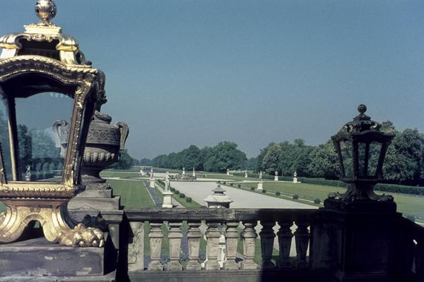Blick vom Nymphenburger Schloss in den Park.