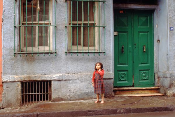 Kinder im Altstadtviertel Eminönu, Istanbul, Türkei