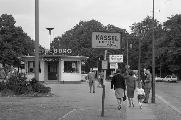 Am Zentralen Busbahnhof Berlin Charlottenburg, Stuttgarter Platz.