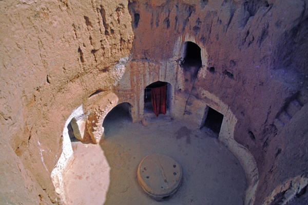 Höhlenwohnungen im Berberort Matmata, Tunesien