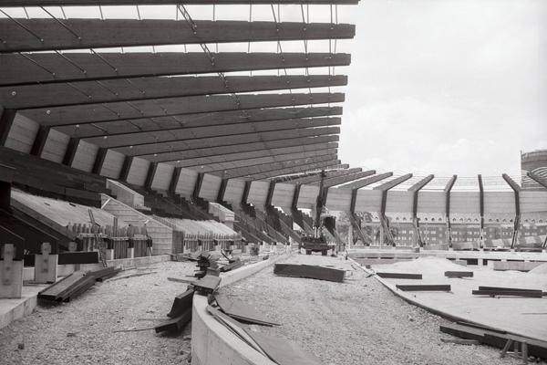Blick in das Innere des Radstadions.